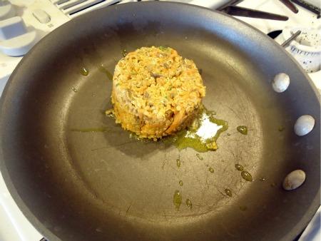 gluten free vegetarian quinoa burger