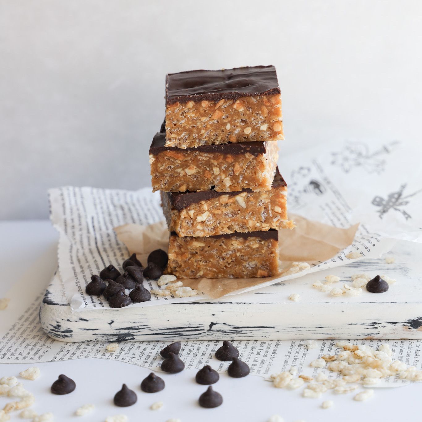 These easy to make gluten-free no bake O Henry Bars are a crunchy and sweet square to make.