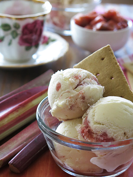 gluten free rhubarb cheesecake ice cream