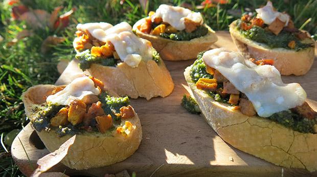 gluten free pumpkin sausage kale pesto crostini recipe