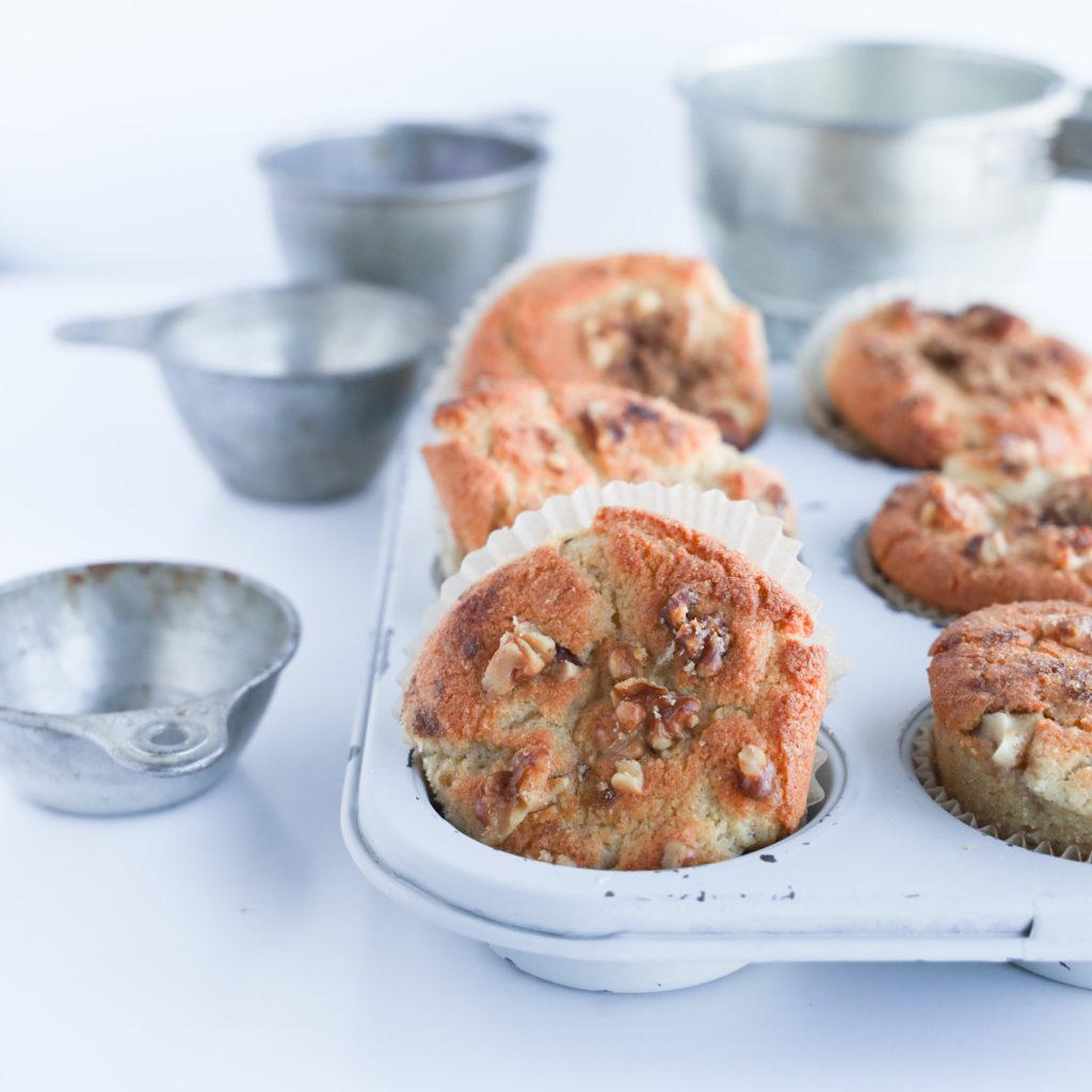 Keto coffee cake muffins that taste like you favourite cinnamon sugar coffee cake.
