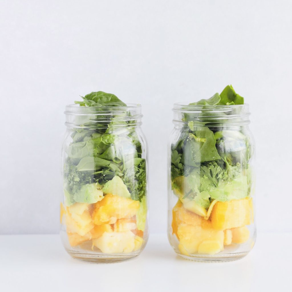 This detox smoothie recipe is absolutely delicious and is loaded with nutritional benefits.